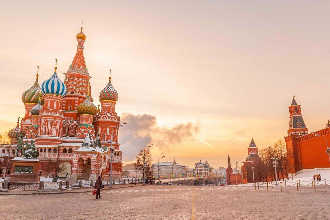 Weiße Nächte in Russland, Sankt Petersburg und Moskau